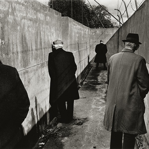 Le motif du mur dans l'œuvre de Koudelka - Irlande 1976
